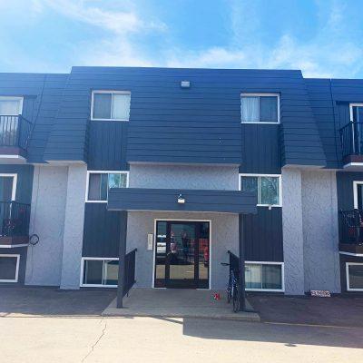 Highland Courts Ltd - 1380 9th Av NW Moose Jaw - Apartment Rental