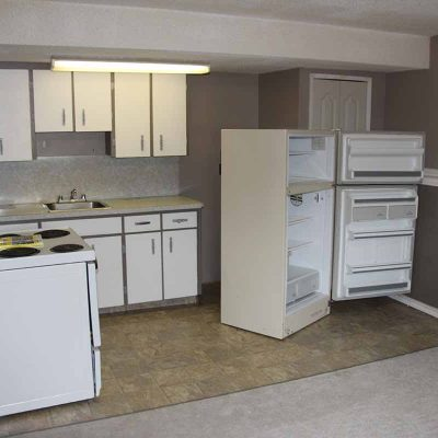 1351 - 1351-Connaught-moose-jaw-house-rental-2