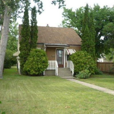 746 - 746-Caribou-Street-W-Moose-Jaw-Home-Rental-1