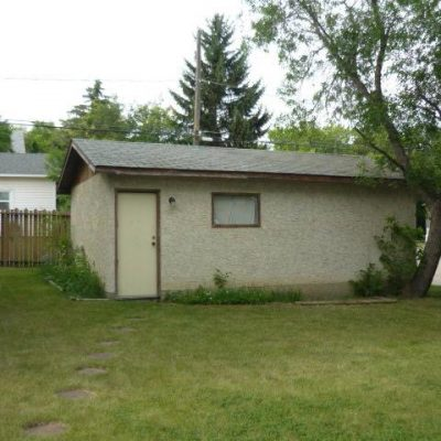 746 - 746-Caribou-Street-W-Moose-Jaw-Home-Rental-2
